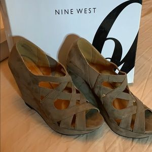 NINE WEST WEDGE